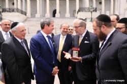 Mission Co-Chair Sol Goldner presenting to US Senator David Vitter, SolGoldner