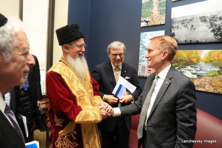 Bukharian Chief Rabbi Itzhak Yehoshua thanking US. Senator James Lankford for his support, , , ezra friedlander